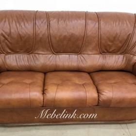 обтяжка дивана коричневой кожей фото
