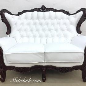 перетяжка дивана белой кожей фото