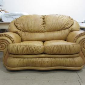 замена обивки дивана кожей фото