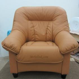 перетяжка кресла кожей фото