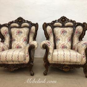 перетяжка кресла в винтажном стиле фото