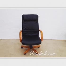 замена обивки офисного кресла фото